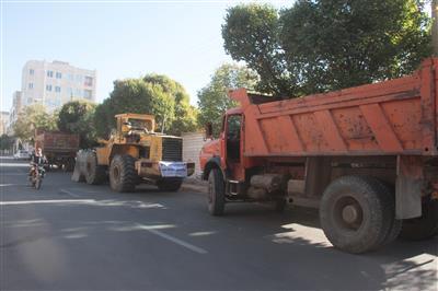 اجرای طرح جمع آوری نخالههای ساختمانی حاشیه شهر آبیک