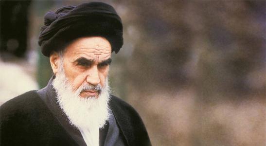 چگونه «سایۀ شوم جنگ» و تحریم را از کشور دور کنیم؟/ پاسخی که امام(ره) ۱۴ بار تکرار کرد