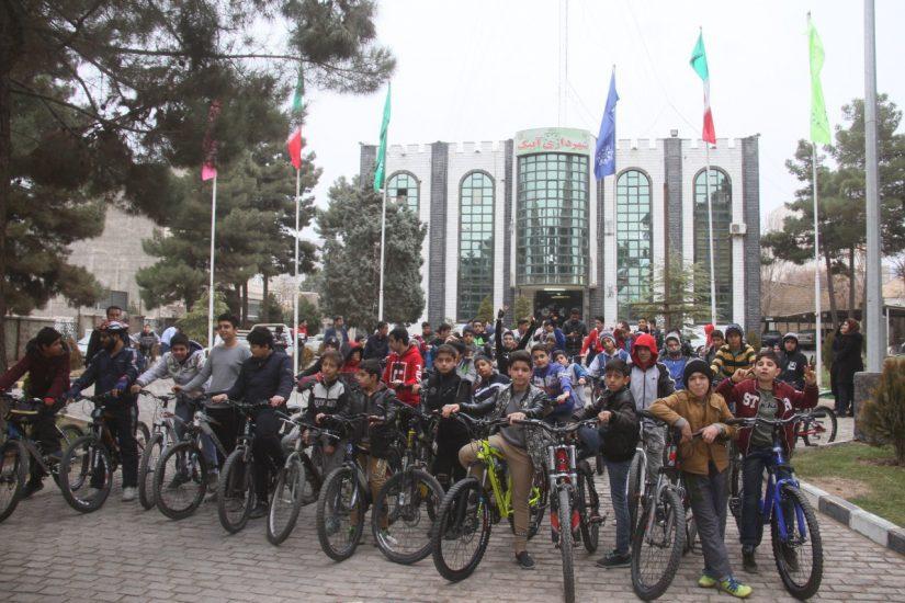 هفتمین همایش دوچرخه سواری در آبیک برگزار شد